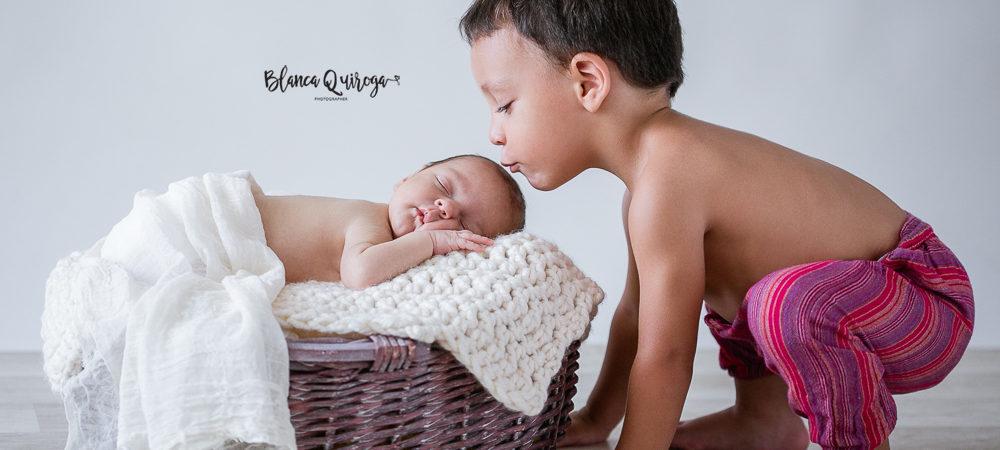 Fotografía de recién nacido en Sevilla. New born Álvaro.