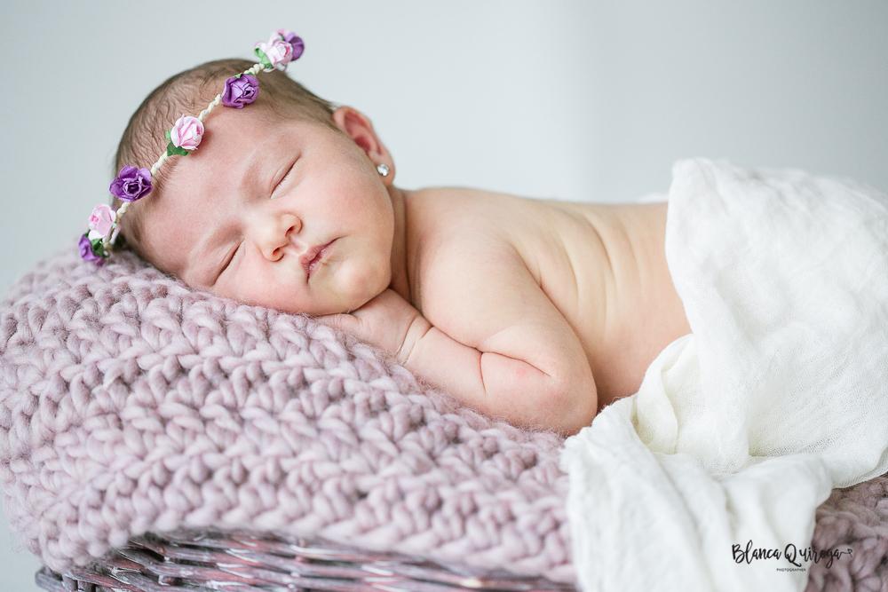 Blanca Quiroga. Fotografo recien nacido, new born, bebe en Sevilla.