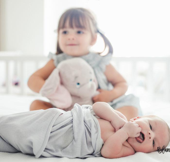 Fotografía de recién nacido en casa. New born Jaime, Sevilla.