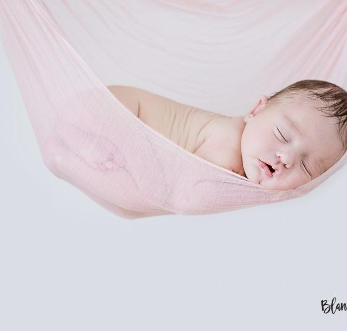 Fotografía de recién nacido en Sevilla. New born Manuela.
