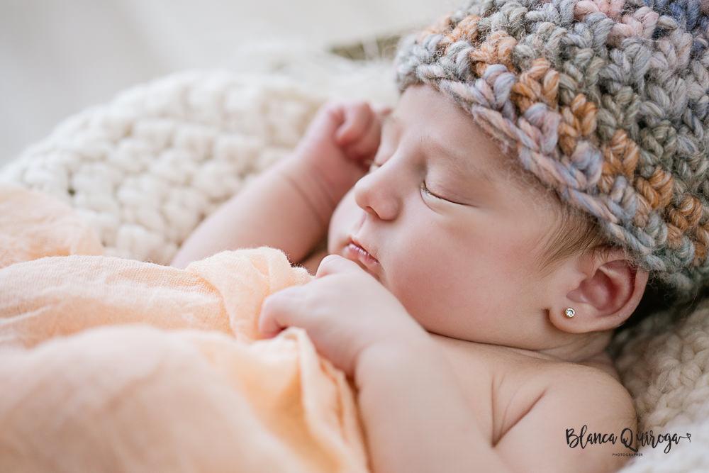 Blanca Quiroga. Fotografo recien nacido y bebes en sevilla.