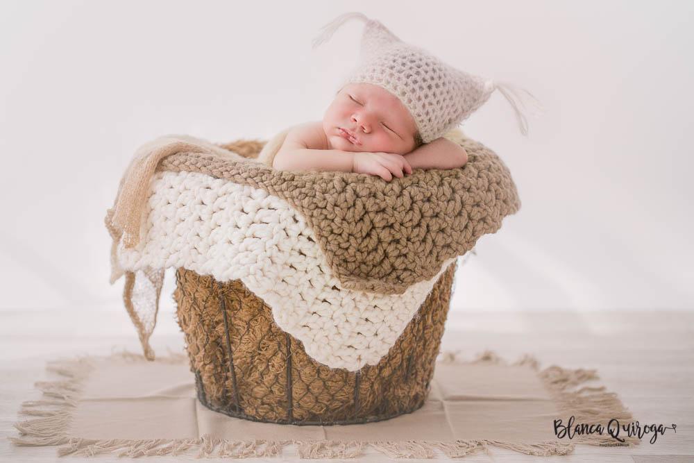 Blanca Quiroga. Fotografo recien nacido sevilla. New born sevilla.