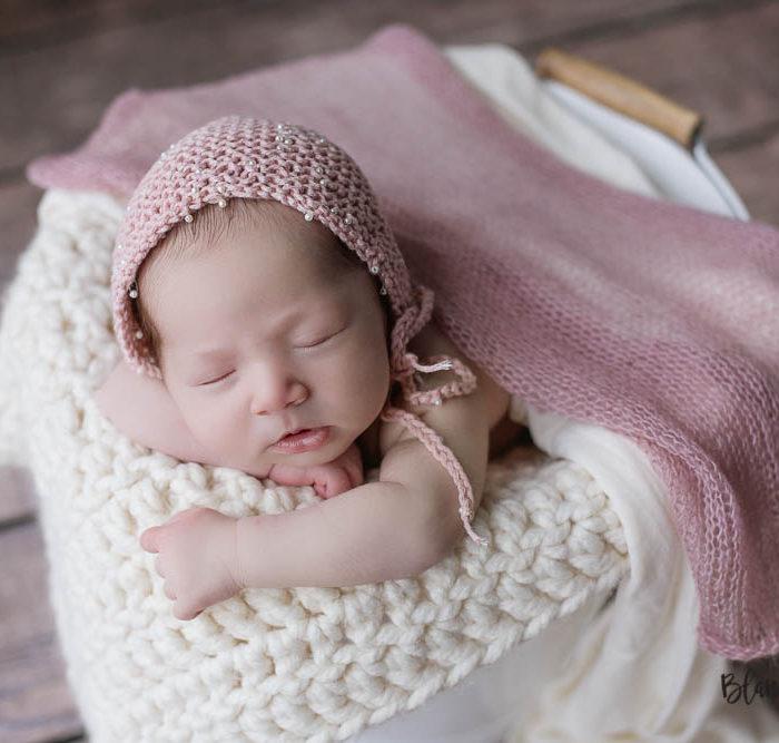 Fotografía de recien nacido en Sevilla. Newborn Amalia 15 días.