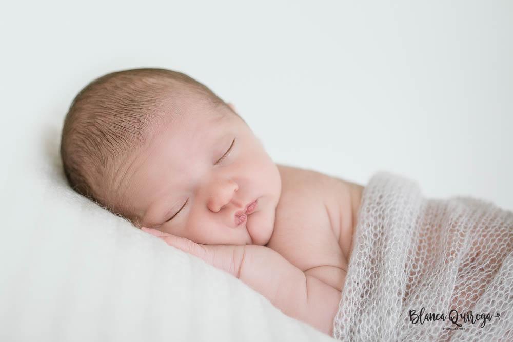 Blanca Quiroga Fotografo. Fotografia recien nacido, newborn, bebe en Sevilla.