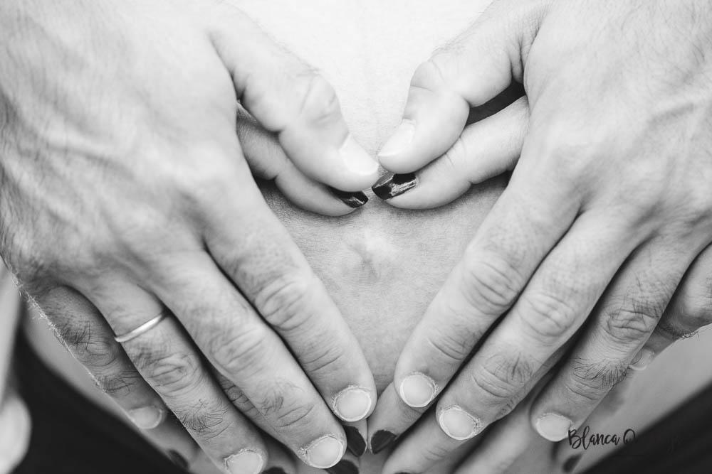 Blanca Quiroga. Fotografo embarazo, premama, familia en Sevilla