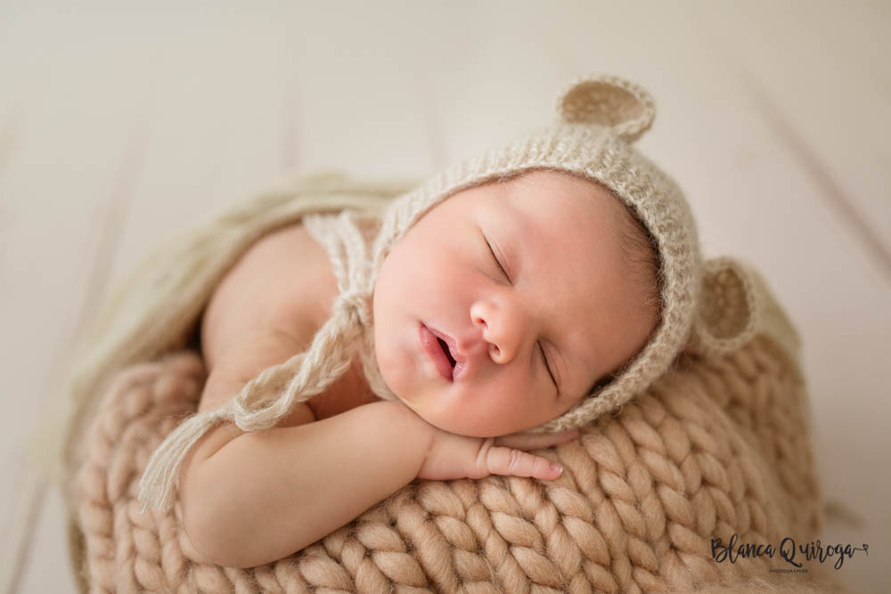 Blanca Quiroga. Fotografo recien nacido, bebe, newborn Sevilla