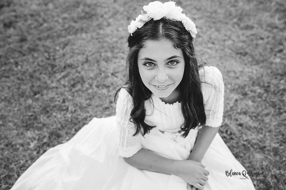 Blanca Quiroga. Fotografo comunion exteriores en Sevilla