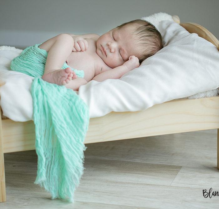 Fotografía de recién nacido en Sevilla. New born Bruno.