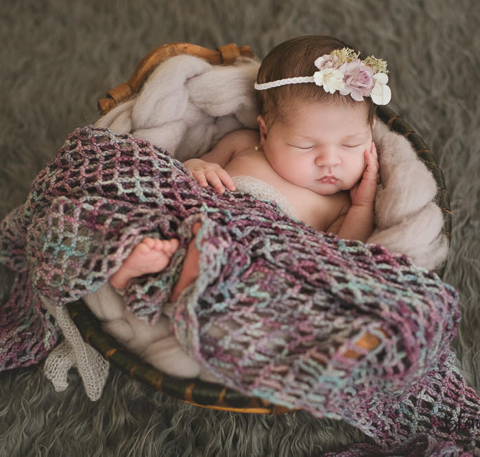 Fotografía recien nacido en Sevilla. Newborn Sara 8 días.