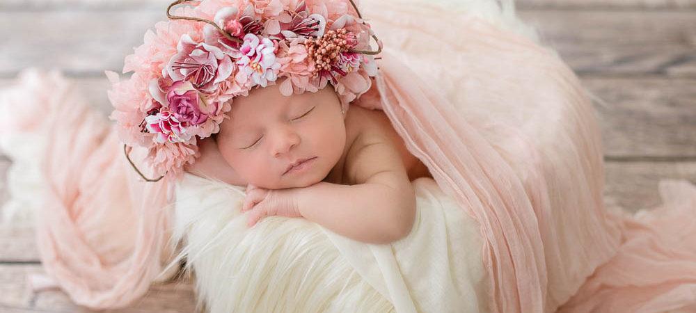 Fotografía recién nacido en Sevilla. Newborn bebé 8 días.