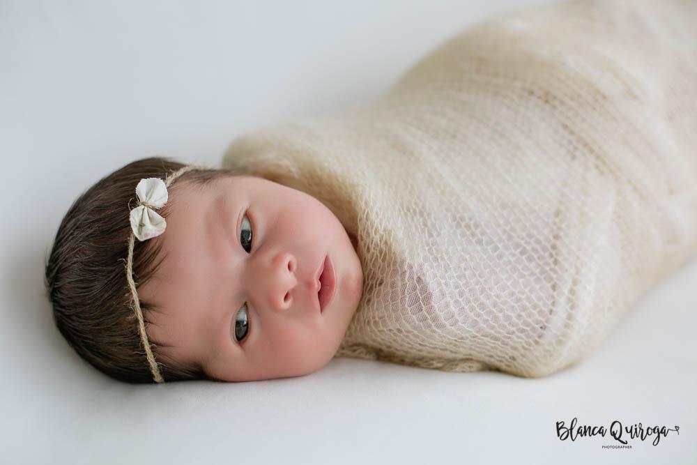 Blanca Quiroga. Fotografia recien nacido, newborn, bebe en Sevilla.