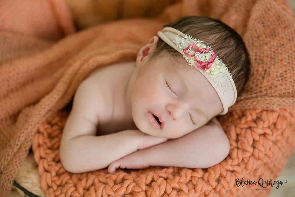 Blanca Quiroga. Fotografo recien nacido, newborn, bebe en Sevilla