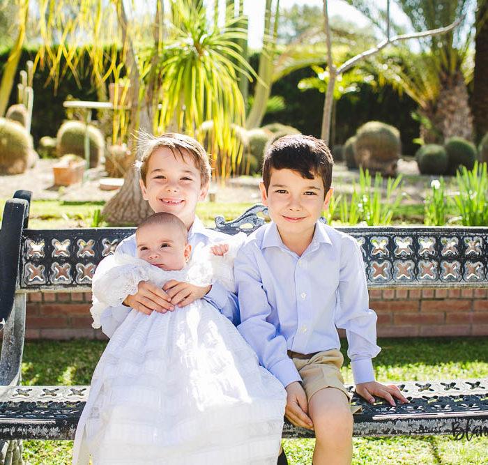 Fotografía de bautizo en Sevilla. Carmen 4 meses.