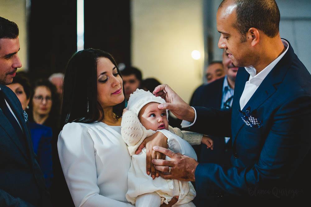Blanca Quiroga- Fotografo bautizo Sevilla