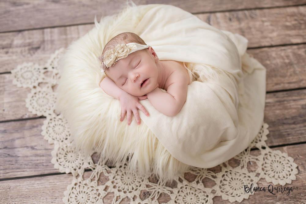 Blanca Quiroga. Fotografia recien nacido, bebe, newborn en Sevilla.