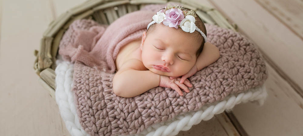 Fotografía de recién nacido en Sevilla. Newborn bebé de 13 días.