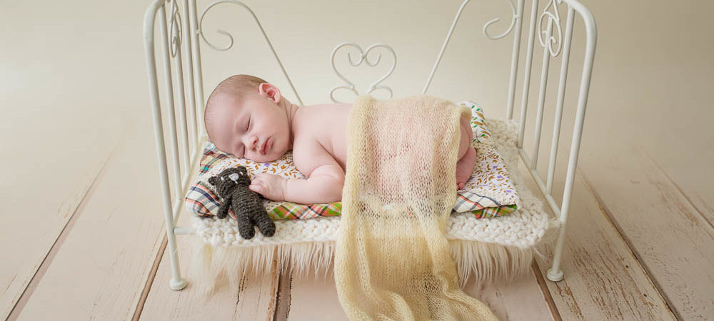 Fotografía de recién nacido en Sevilla. Newborn bebé de 15 días.
