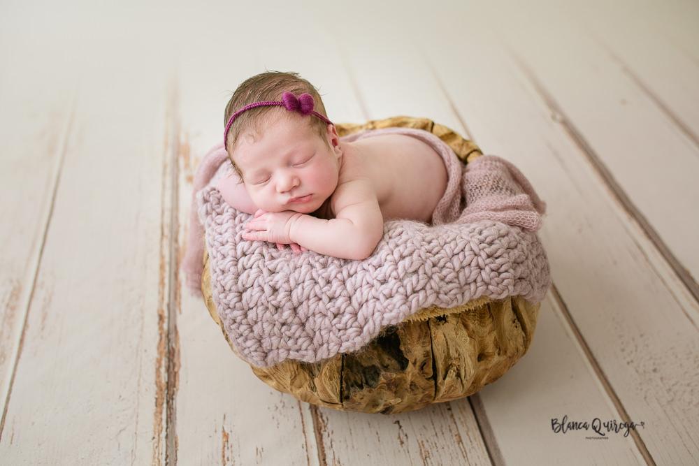 Blanca Quiroga. Fotografo bebe, recien nacido, newborn en Sevilla
