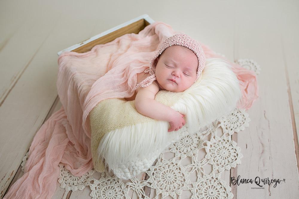 Blanca Quiroga. Fotografia regine nacido, bebe, newborn en Sevilla