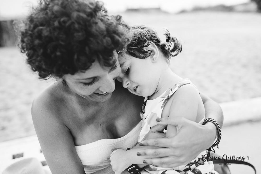 Blanca Quiroga. Fotografía de familias en la playa. Sevilla.