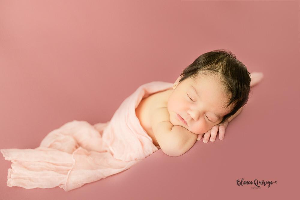 Blanca Quiroga. Fotografia regine nacido, newborn, bebe en Sevilla