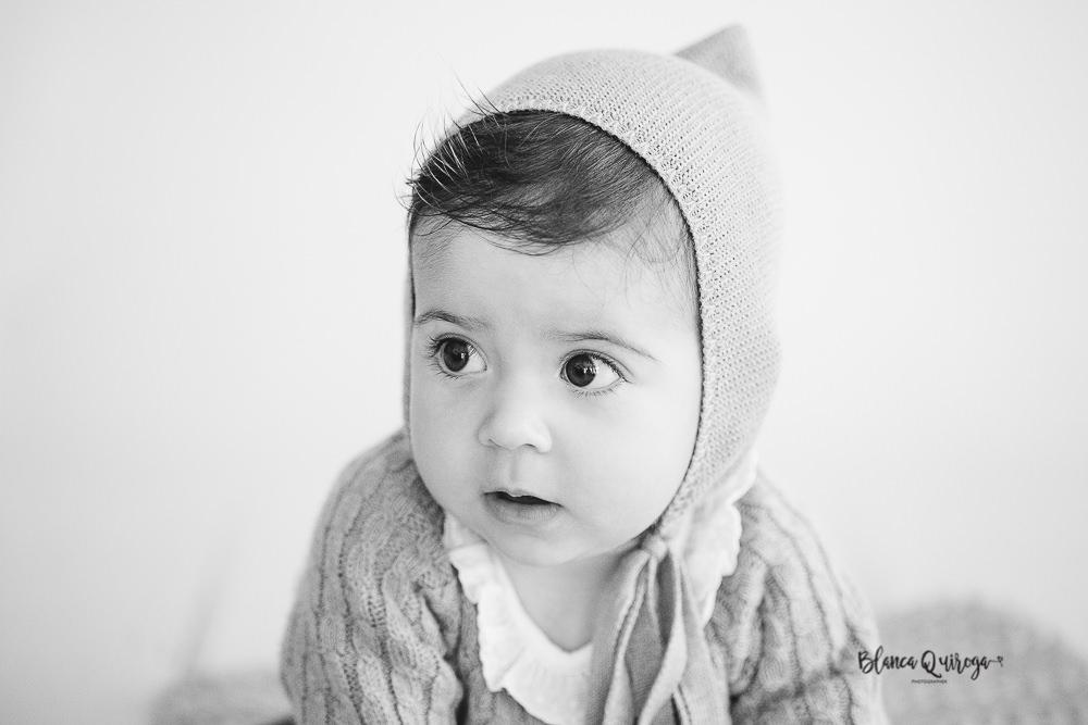 Blanca Quiroga. Fotografo bebe, niños, infantil estudio en Sevilla