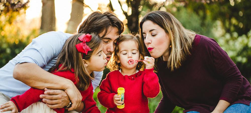 Fotografía infantil en Sevilla. Niñas de 2 y 5 años.
