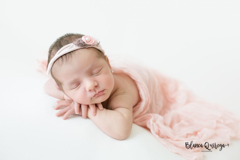Blanca Quiroga, fotografo recien nacido, newborn, bebe en Sevilla