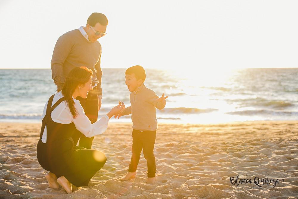 Blanca Quiroga. Fotografia familia playa de rota. Cadiz